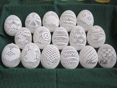 Húsvéti horgolásaim ili bercine picasa web albums na stylowi pl Crochet Ball, Thread Crochet, Filet Crochet, Crochet Motif, Easter Egg Crafts, Easter Eggs, Easter Decor, Easter Crochet Patterns, Lace Patterns