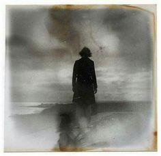 Bir zamanlar sevdiğim biri bana karanlıkla dolu bir kutu verdi. Bunun da bir hediye olduğunu anlamak yıllarımı aldı.  Mary Oliver