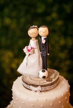 Topo de bolo - Noivinhos feitos em madeira com muito amor e carinho!
