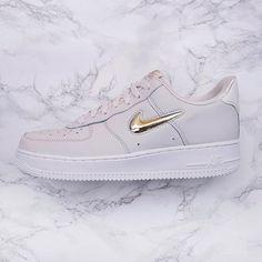 wholesale dealer 485c8 7647f Nike Wmns Air Force 1 07 Premium LX - Igår fick vi äntligen en re-