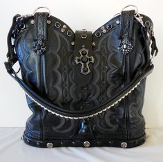 """Maybelline"" is a beautiful black double StageCoach Bag and is a numbered piece of art.  You can see her at Desert Legacy Gallery is Sonoita, Az.  www.stagecoachbagsandcollectibles.com Maybelline, Cowboy Boots, Purses And Bags, Art Pieces, Play, Gallery, Leather, Vintage, Beautiful"
