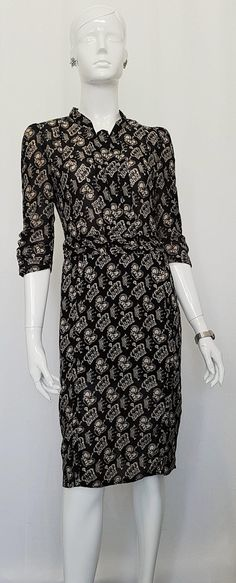 Vintage 80's DIANA Fitted Knee Length Pleat Front WIGGLE DRESS w 'King & Queen' Crown Print Motive and Ruched Three Quarter Sleeves. Queen Crown, King Queen, Wiggle Dress, Diana, Formal Dresses, Sleeves, How To Wear, Clothes, Vintage