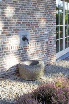 Detail Belgian house, Kempian Style and building materials - Oude Klampbrick Cottage Garden Patio, Terrace Garden, Water Garden, Home And Garden, Outdoor Sinks, Pool Water Features, Landscape Elements, Backyard Water Feature, Garden Deco