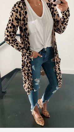 10 Stylish Fall Outfit inspiration & fashion tips for your perfect and cute fall outfits. The fall essentials you need to buy & how to mix and match to create stylish fall outfits. Trendy Summer Outfits, Fall Winter Outfits, Autumn Winter Fashion, Spring Outfits, Casual Outfits, Cute Outfits, Spring Clothes, Junior Outfits, Jeans Outfits