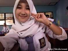 Cewek Sekolah Gadis SMA Berjilbab