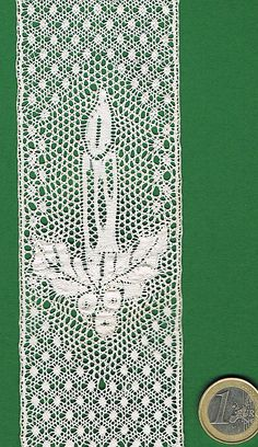 Plein écran Bobbin Lace Patterns, Lacemaking, Lace Heart, Lace Jewelry, Linens And Lace, Vintage Sewing, Lace Detail, Kids Rugs, Pictures