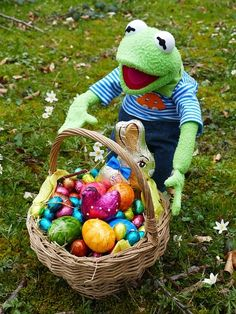 A new twist on Easter egg hunting! #easter #christmasgifts