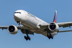 Philippine Airlines Boeing 777-300/ER RP-C7777