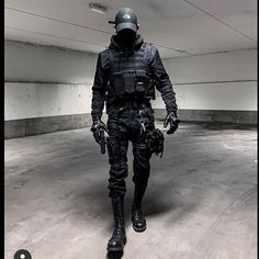 Dope or Nope? 🔥🖤 presents clean techwear with his highquality pictures. 😷🖤 says he is doing a great job all the… Dark Fashion, Urban Fashion, Boy Fashion, Mens Fashion, Fashion Outfits, Edgy Outfits, Grunge Outfits, Cool Outfits, Cyberpunk Clothes
