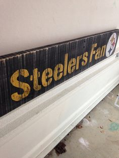 neat pallet sign - change to Chiefs (even if it hurts)