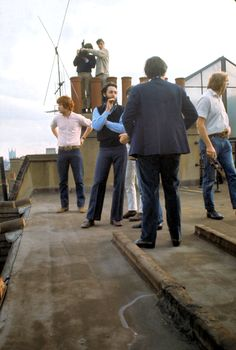 Paul McCartney Saville Row Rooftop Concert The Beatles. The Beatles with Billy Preston Paul Mccartney, Great Bands, Cool Bands, Liverpool, The Beatles Live, Billy Preston, El Rock And Roll, Beatles Photos, The Fab Four