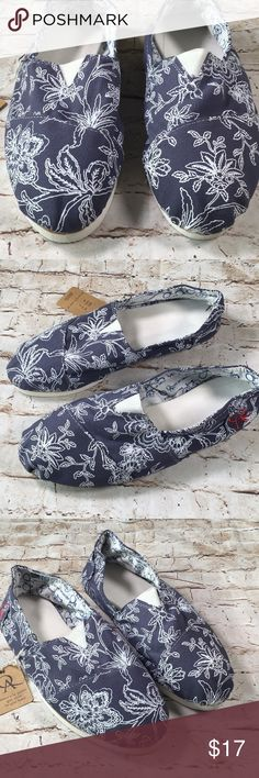 QA Shoes Slip Ons Great condition Never worn  US 10 Easy fun and super cute Blue and white flowers  Cotton canvas material No rips tears or stains Non smoking environment 💕 QA Argentina Shoes Flats & Loafers