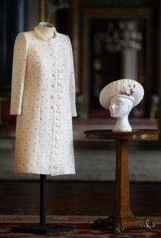 Queen Elizabeth's outfit for the Thames Diamond Jubilee Pageant by Miss Angela Kelly MVO