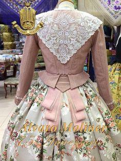 corpiño 18th Century Dress, 18th Century Fashion, Historical Costume, Historical Clothing, Antique Clothing, Vintage Dresses, Vintage Outfits, Vintage Fashion, Rococo