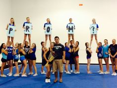 How to ask a cheerleader to prom. If you ask me to prom like this I will not only say yes but you are husband worthy! Yes please?!                    ~ Love Nadja<3