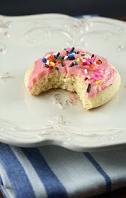 Authentic Suburban Gourmet: Lofthouse Style Frosted Sugar Cookies
