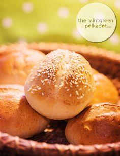 The Mintgreen Polkadot | Kitchen-Favourites: homemade Sunday Rolls | http://themintgreenpolkadot.com