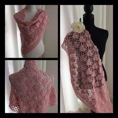 Een persoonlijke favoriet uit mijn Etsy shop https://www.etsy.com/nl/listing/486912937/crochet-rose-shawlwrapponchogehaakte