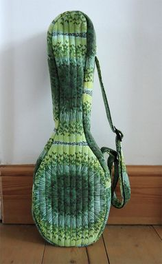 Quilted ukulele gig bag in vintage 50s seed head print (fits Flea and standard soprano)