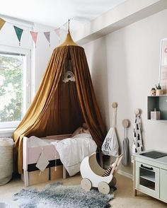 I would've had loved to have her bed when I was a little girl! That canopy from…