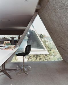 "@dwellmagazine: ""Maverick architect Agustín Hernandez was one of the first to introduce pre-Hispanic motifs into Mexican modernism. The 82-year-old lives and works in this cantilevered concrete tower high above Bosques de las Lomas. #interior #office  Photo by @liviacoronabenjamin"""