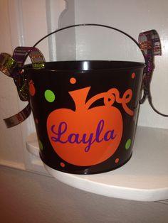 Black pumpkin bucket