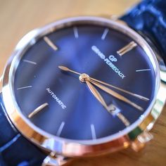 The Girard-Perregaux 1966 blue dial – Read the full review by our friends of Monochromewatches at: http://monochrome-watches.com/girard-perregaux-1966-blue-dial-pink-gold-review/ #blue #womw #wotd #watch #watchgeek #watchporn #instadaily #instawatches #horloger #luxurywatches #swissmade #automatic