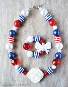 DIY Patriotic Jewelry Tutorial at artsyfartsymama.com
