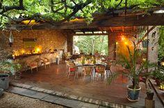 Chambre d'hôtes La vieille Maison - Halte Gourmande. Chambre hotes, l'intérieur et l'extérieur