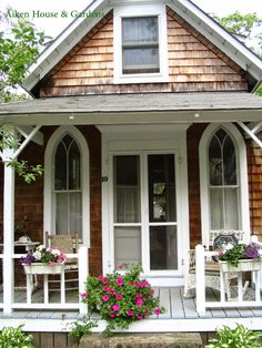 Aiken House & Gardens: The Charming Cottages of Oak Bluffs