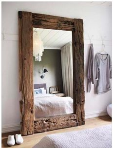 Espejo en madera natural