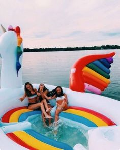 summer goals pool 25 Things to Do Yet This Summer If Youre Bored - Design amp; Bff Pics, Photos Bff, Cute Friend Pictures, Friend Photos, Summer Goals, Summer Fun, Winter Fun, Best Friend Fotos, Fun Sleepover Ideas
