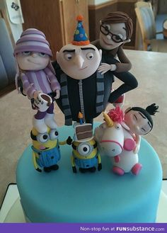 Despicable cake gah i totally want!