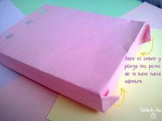 Cómo hacer bolsitas de regalo a partir de sobres (paso 2)