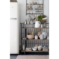 Get inspired with these Minimal Kitchen Counter Decor Ideas that are inspired by the Scandinavian design trend , all featuring beautiful color schemes and décor choices. Kitchen Interior, Room Interior, Interior Design Living Room, Kitchen Dining, Kitchen Decor, Decorating Kitchen, Kitchen Flooring, Kitchen Utensils, Kitchen Towels