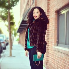 #OOTD is up on GirlWithCurves.com #fauxfur #fashion #styletip #curvy #plussizefashion #plusblogger #curlyhair #winterfashion #fallfashion - @girlwithcurves- #webstagram