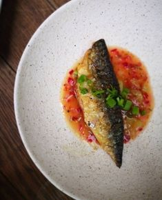 Mackerel with gooseberry sauce / Borough Market Gooseberry Recipes, Red Chilli, Fish Recipes, Guacamole, Cooking Recipes, Stuffed Peppers, Fruit