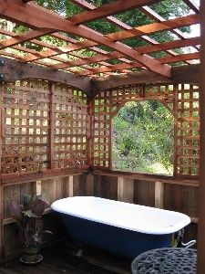 Redwood garden room with claw foot tub in Big Sur. Take me there!