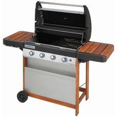 Sommer, Sonne, Grillspaß: Auf diesem Gasgrill von CAMPINGAZ mit elektronischer Zündung braten Sie köstliche Gemüsespieße oder würzige Steaks für Ihre Gäste.