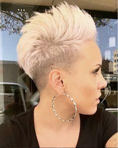 14x Beispiellose Schöne Pixies Blond Oder Pink! -  Kurzhaarfrisuren-Frauen.com Toupet Pixie 34a4a35efab4