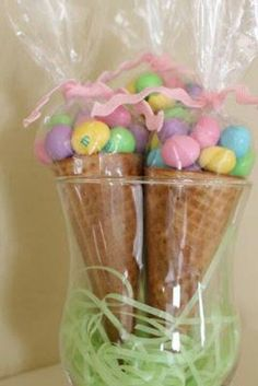 If you didn't want to fill the whole thing with eggs, you could stick a couple of marshmallows in the cone. It would be cheaper if you were making a lot. easter gifts 13 Easy Easter Treat Ideas – My List of Lists Hoppy Easter, Easter Eggs, Easter Food, Easter Bunny, Easter Table, Easter Stuff, Easter Holidays, Easter Treats, Easter Snacks