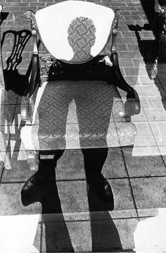 (untitled) Photograph by Lee Friedlander. Wilmington, Delaware, 1965. ||a master of the shadow||