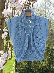Ravelry: Vest with textured pattern pattern by DROPS design yelek örneği Jumpers For Women, Sweaters For Women, Women's Sweaters, Knit Vest Pattern, Lace Cardigan, Stockinette, Drops Design, Knitting Patterns Free, Crochet Projects