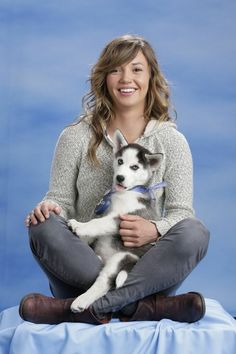 15 U. Olympians Posing With A Siberian Husky Puppy Is The Cutest Thing You'll See Today - Kaitlyn Farrington (Snowboarding) Siberian Husky Puppies, Husky Puppy, Us Olympics, Winter Olympics, Kaitlyn Farrington, Most Beautiful Dogs, Sporty Girls, Sports Stars, Team Usa
