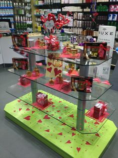 Góndola decorada para San Valentín