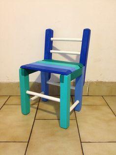 Sillita reciclada!! Arreglada, pintada y barnizada. Made from pallets. https://www.facebook.com/AnezkaDeco