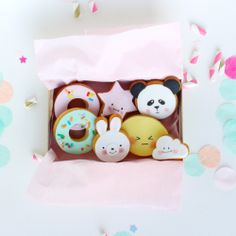 kawaii cookies lepetitbiscuit.nl 1) strawberry box with lego ironman inside 2) owl rock 3) pooh with rabbit ears i miss you card 4) matchbox 5) hugger with mentos 6) cloud thank you card 7) polaroid photo