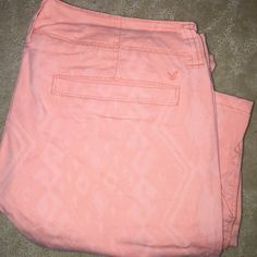 AMERICAN EAGLE PANTS  AMERICAN EAGLE PINK PANTS .. PERFECT FOR SPRING  American Eagle Outfitters Pants Straight Leg
