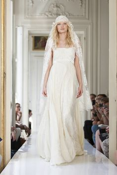 Pretty Wedding dress delphine manivet 2013 collection, boho bride I'm gonna be different & have a pink wedd. French Wedding Dress, Wedding Robe, Wedding Dress 2013, Amazing Wedding Dress, Wedding Dresses Photos, Bridal Dresses, Wedding Gowns, Lace Wedding, Wedding Veil