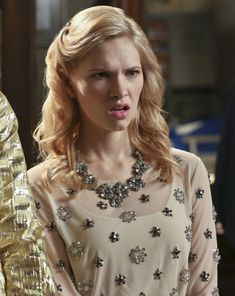 Magnolias silver flower necklace on Hart of Dixie